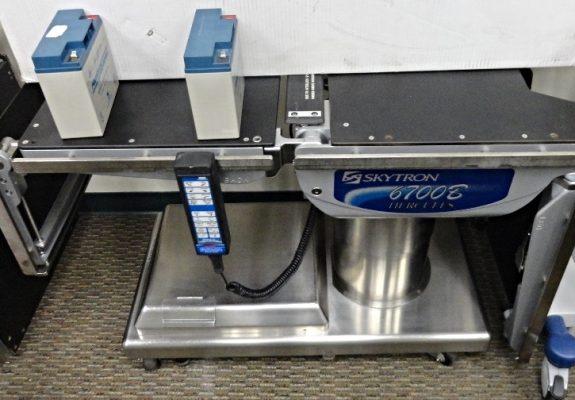 SKYTRON 6700 B HERCULES SURGEY TABLE