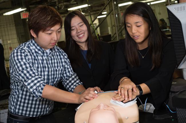 Rice University bioengineering students develop add-on pad for defibrillators
